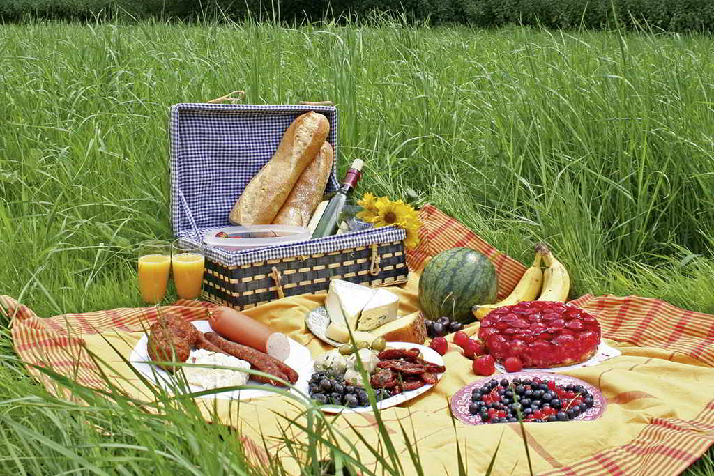 Your personal picnic basket - a service of Bülow Residenz Dresden