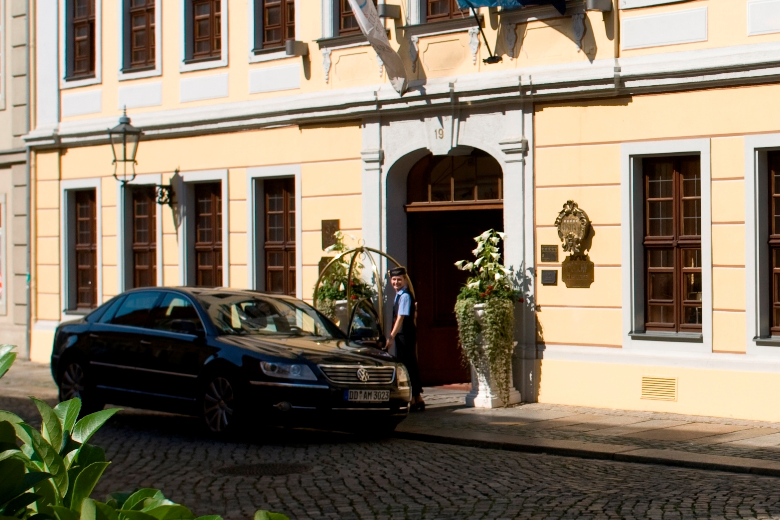Chauffeur and shuttle service at Bülow Residenz Dresden